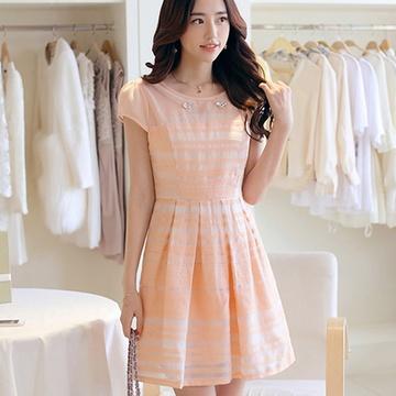 2014夏装新款女装日韩时尚休闲百搭欧根纱绣花连衣裙